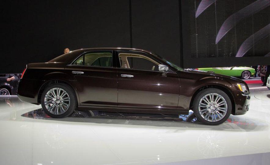 2012 Chrysler 300 S - Slide 17
