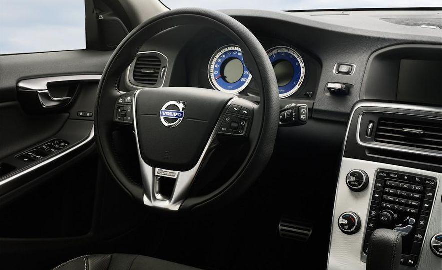 2012 Volvo S60 R-Design - Slide 7