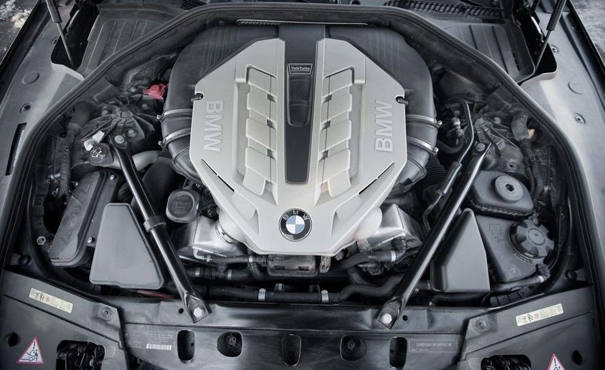 2010 BMW 750Li xDrive - Slide 44