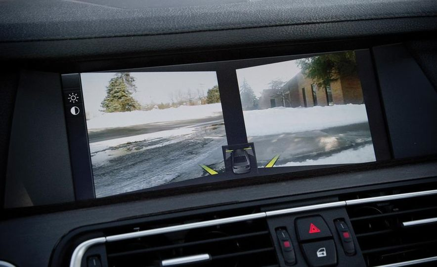 2010 BMW 750Li xDrive - Slide 41