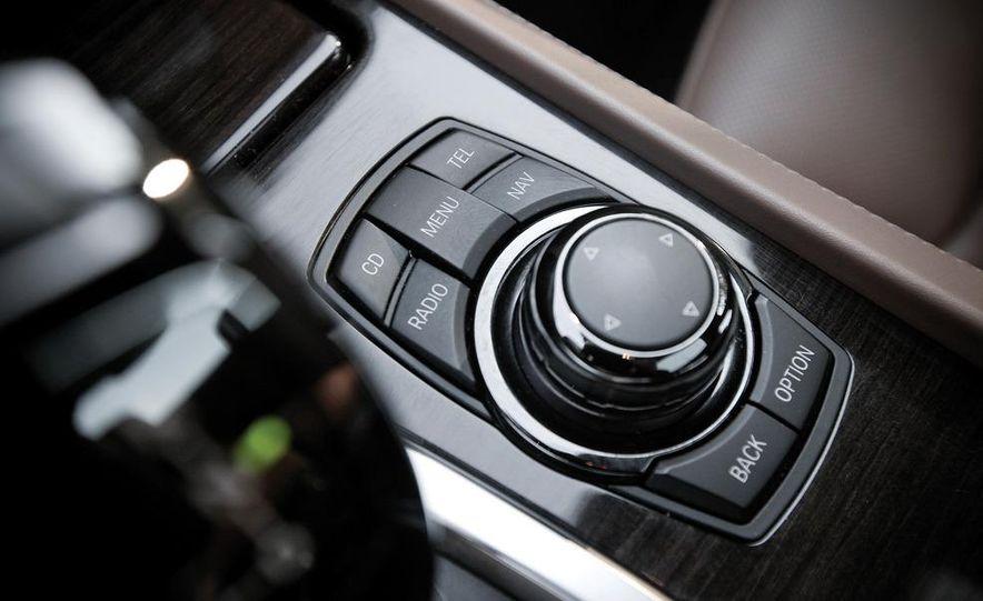 2010 BMW 750Li xDrive - Slide 36