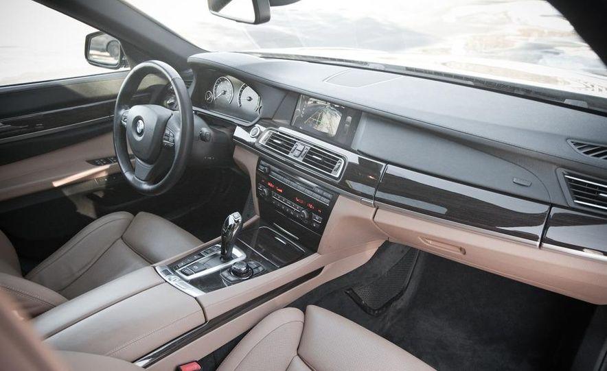 2010 BMW 750Li xDrive - Slide 29