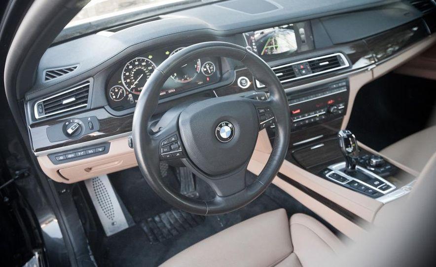 2010 BMW 750Li xDrive - Slide 30