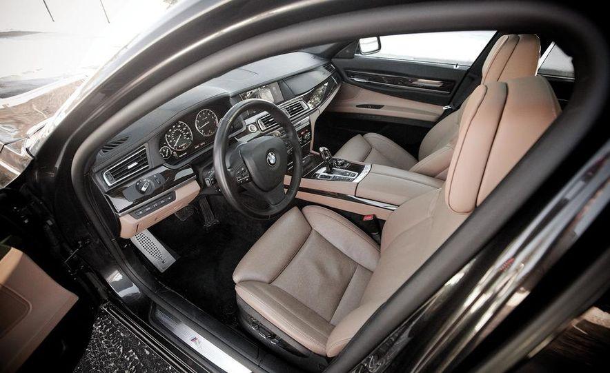 2010 BMW 750Li xDrive - Slide 32
