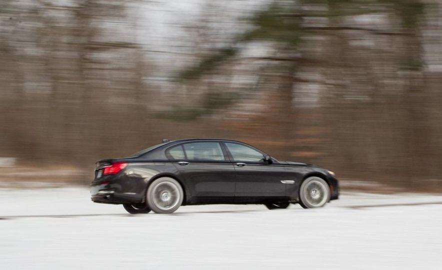 2010 BMW 750Li xDrive - Slide 7