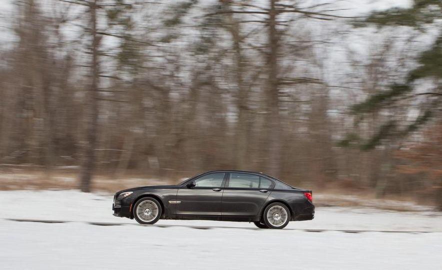 2010 BMW 750Li xDrive - Slide 8