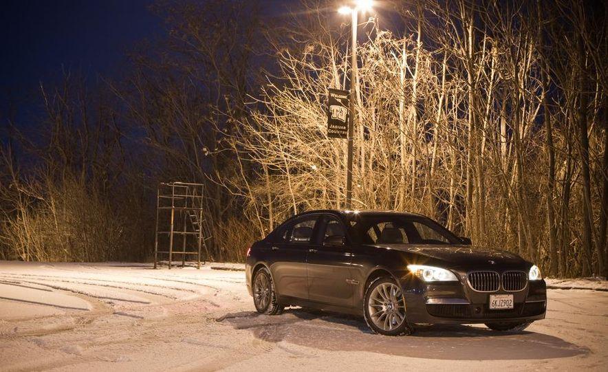 2010 BMW 750Li xDrive - Slide 13