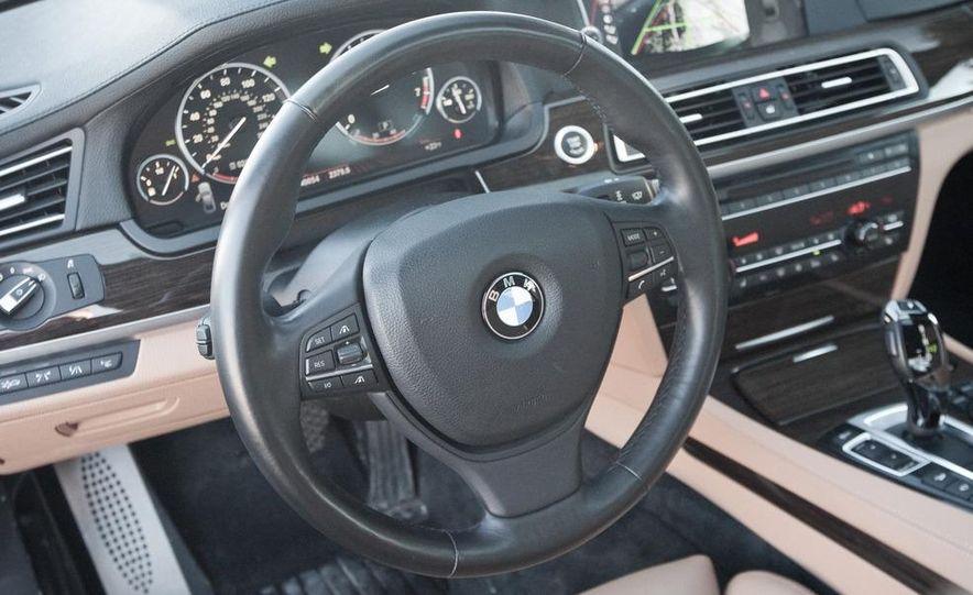 2010 BMW 750Li xDrive - Slide 31