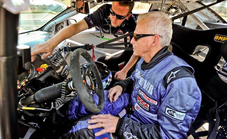 Kia Forte Koup race car - Slide 14