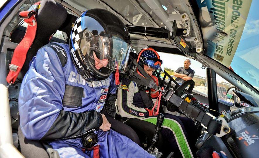 Kia Forte Koup race car - Slide 18