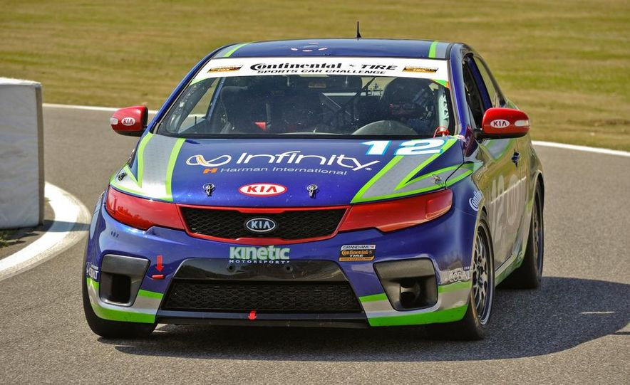 Kia Forte Koup race car - Slide 1