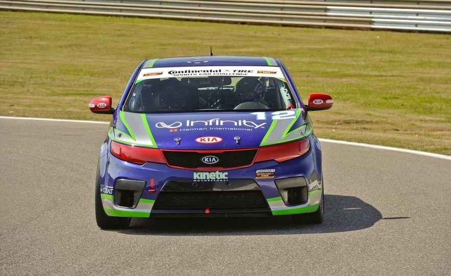 Kia Forte Koup race car - Slide 2