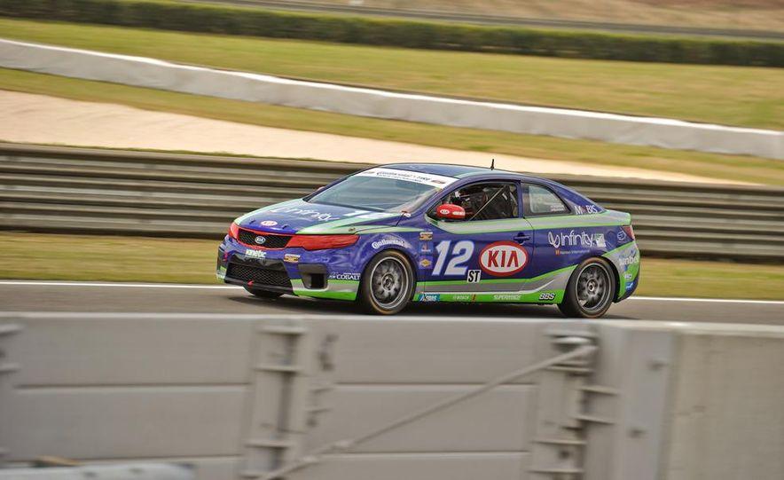 Kia Forte Koup race car - Slide 5