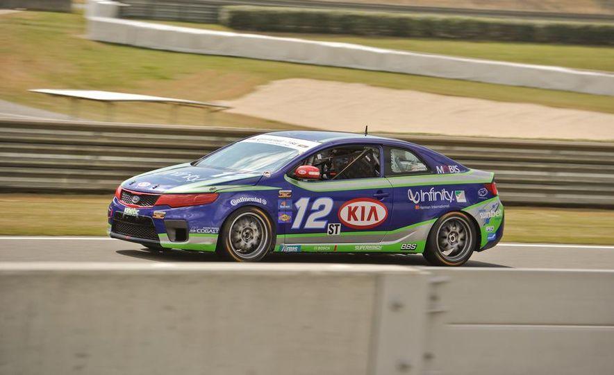 Kia Forte Koup race car - Slide 6