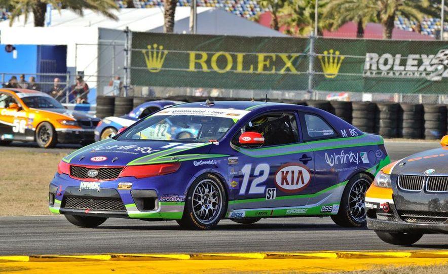 Kia Forte Koup race car - Slide 7