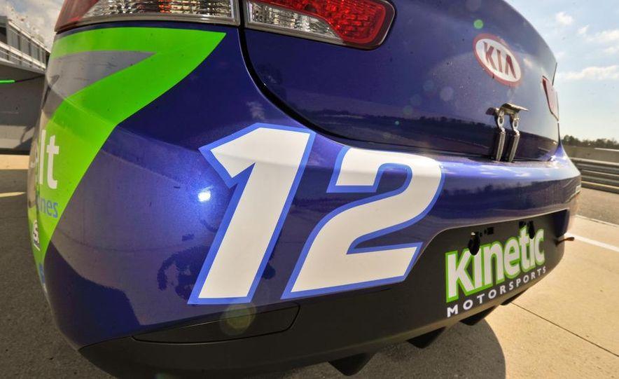 Kia Forte Koup race car - Slide 11