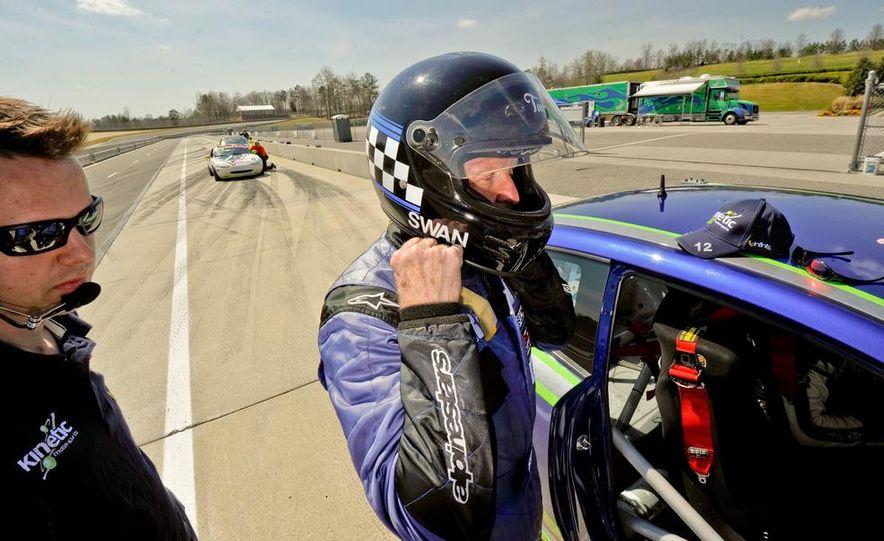 Kia Forte Koup race car - Slide 19