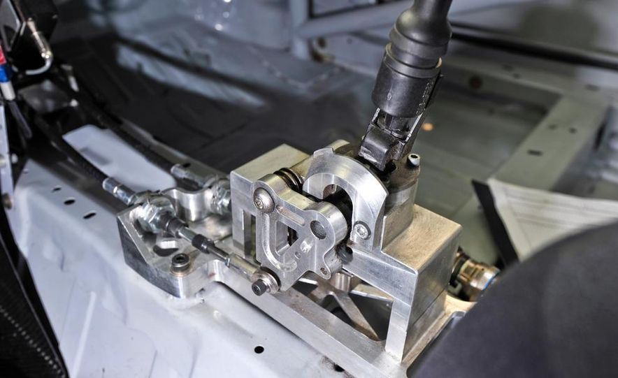 Kia Forte Koup race car - Slide 30