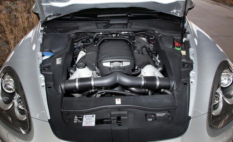 2011 Porsche Cayenne S - Slide 12