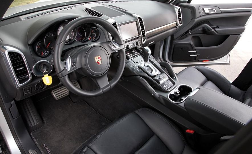 2011 Porsche Cayenne S - Slide 18