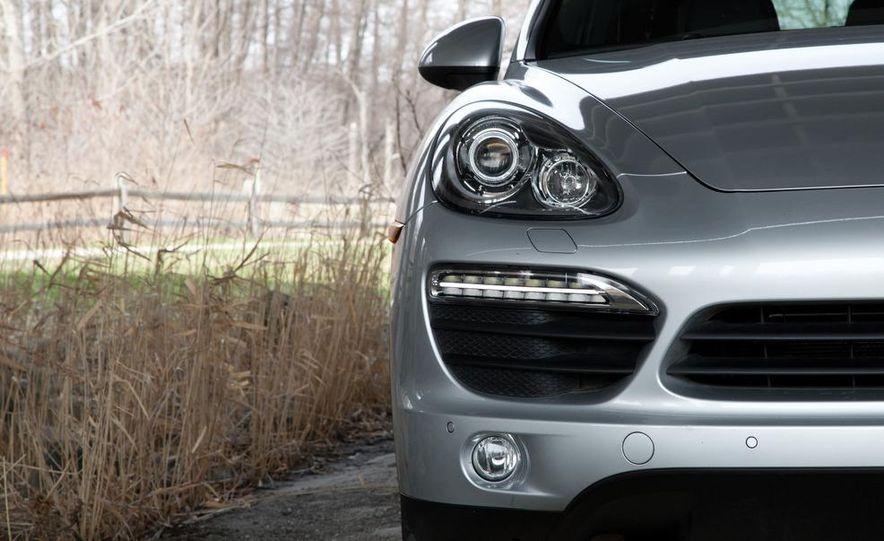 2011 Porsche Cayenne S - Slide 8