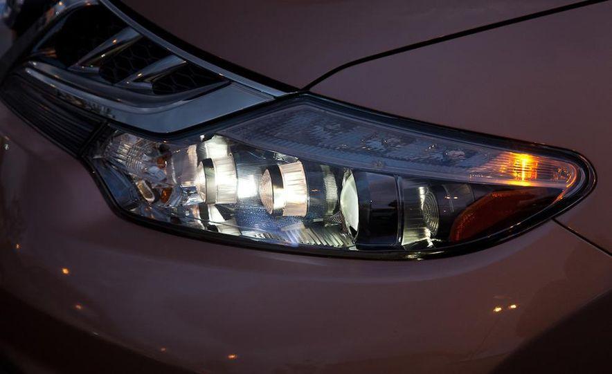 2011 Nissan Murano CrossCabriolet - Slide 10