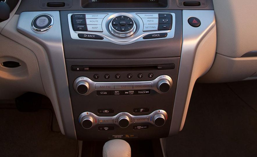 2011 Nissan Murano CrossCabriolet - Slide 24