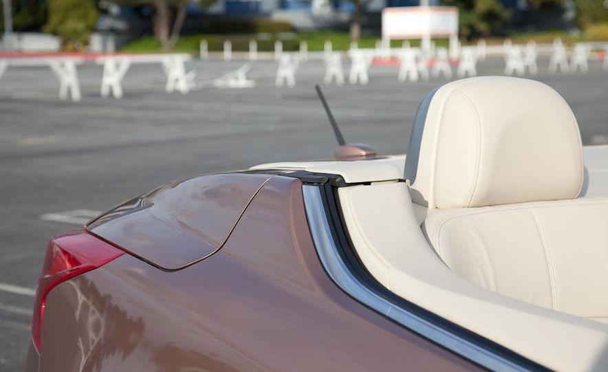 2011 Nissan Murano CrossCabriolet - Slide 16
