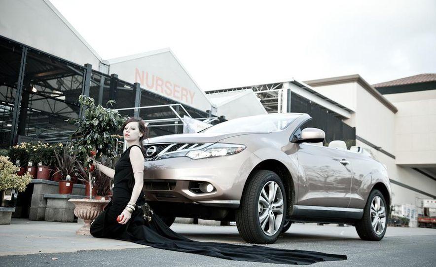 2011 Nissan Murano CrossCabriolet - Slide 32