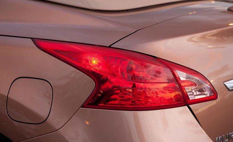 2011 Nissan Murano CrossCabriolet - Slide 9