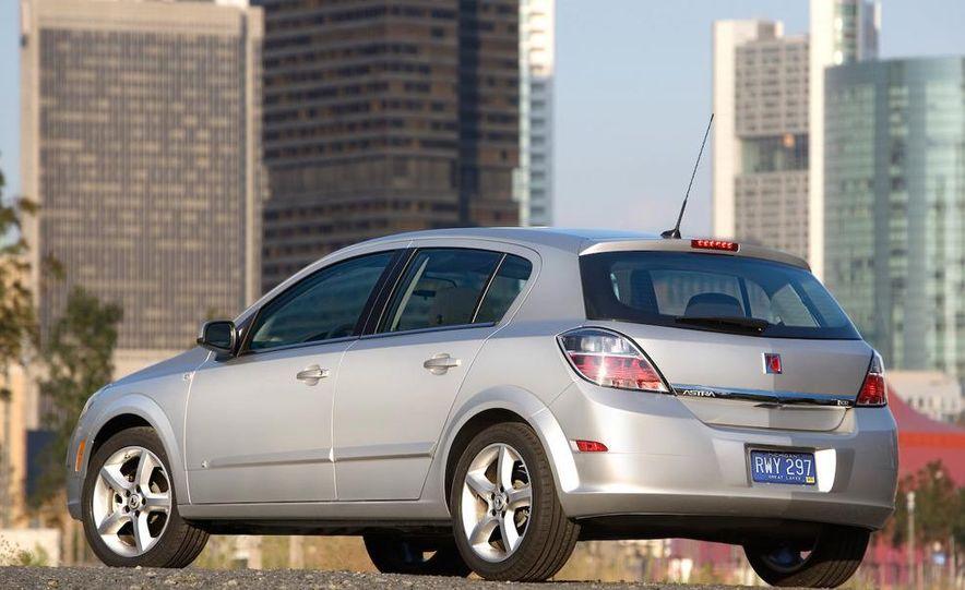 2012 Opel Astra GTC - Slide 6