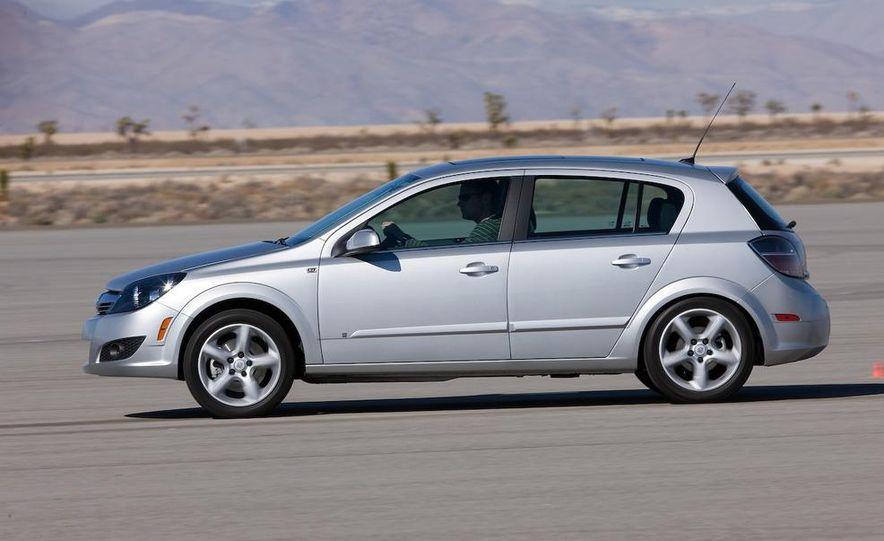 2012 Opel Astra GTC - Slide 8