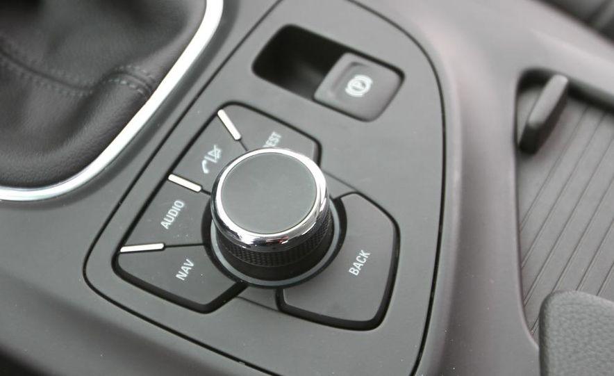 2012 Opel Astra GTC - Slide 40
