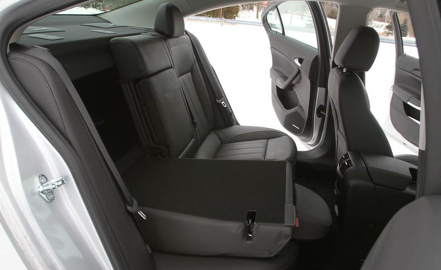 2012 Opel Astra GTC - Slide 29