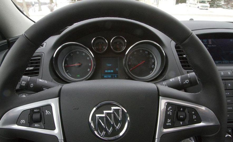 2012 Opel Astra GTC - Slide 33