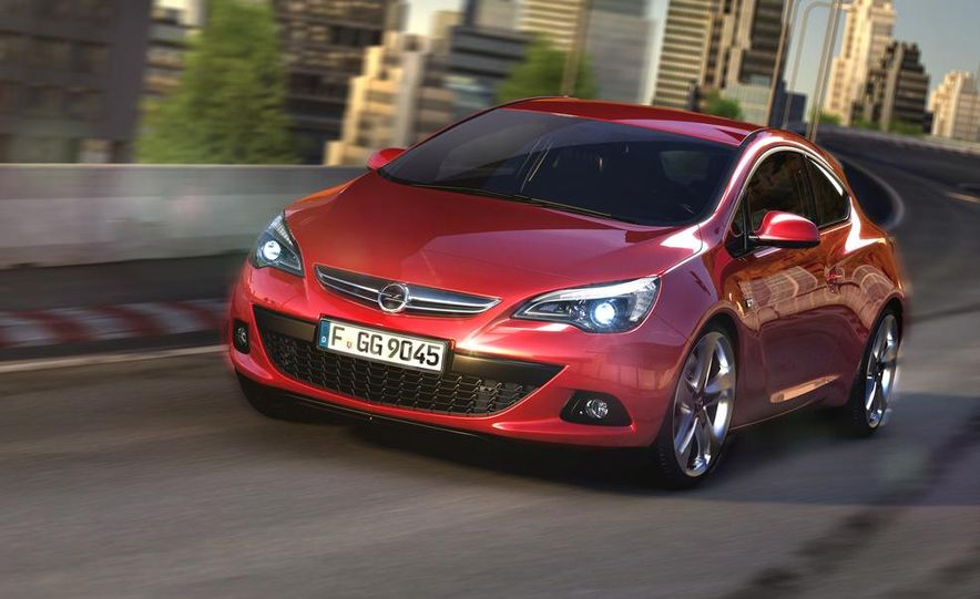 2012 Opel Astra GTC - Slide 1
