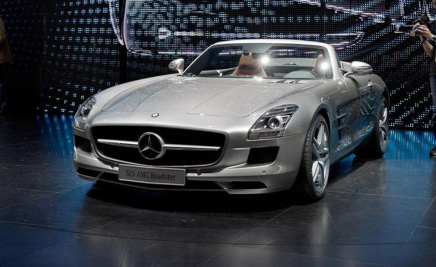 2012 Mercedes-Benz SLS AMG roadster - Slide 2