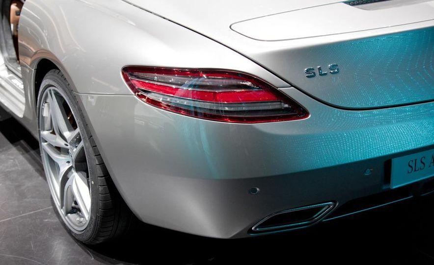 2012 Mercedes-Benz SLS AMG roadster - Slide 11