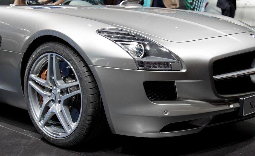 2012 Mercedes-Benz SLS AMG roadster - Slide 12