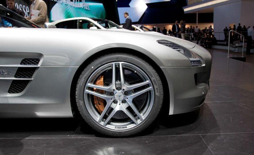2012 Mercedes-Benz SLS AMG roadster - Slide 13