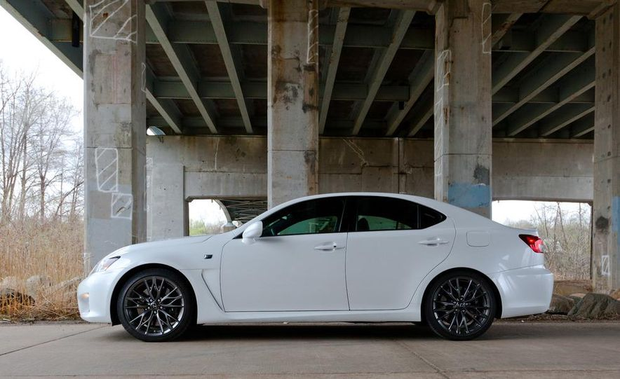 2011 Lexus IS F - Slide 6