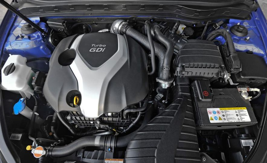 2011 Kia Optima SX Turbo - Slide 22