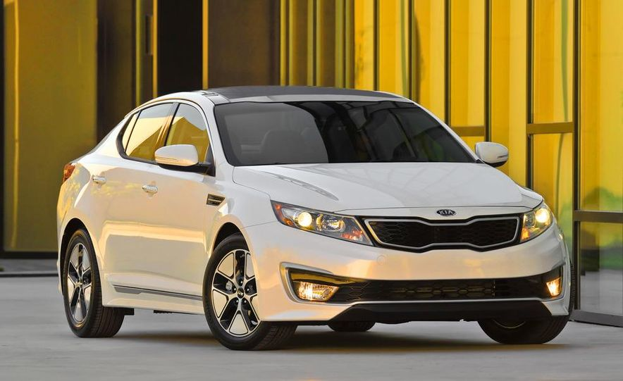 2011 Kia Optima hybrid - Slide 2
