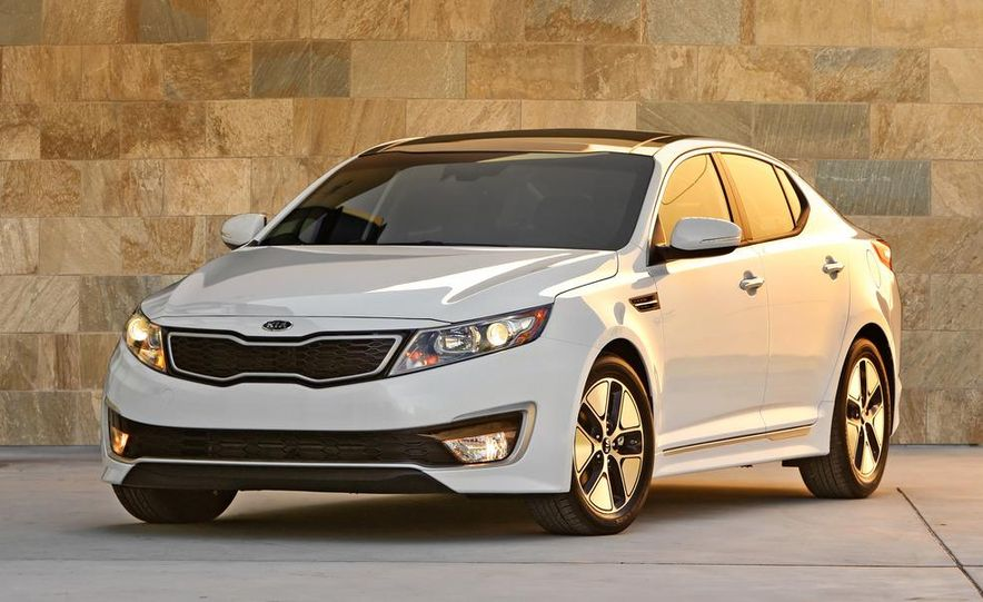 2011 Kia Optima hybrid - Slide 4