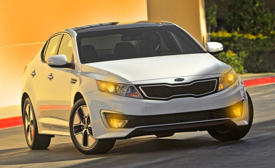 2011 Kia Optima hybrid - Slide 5