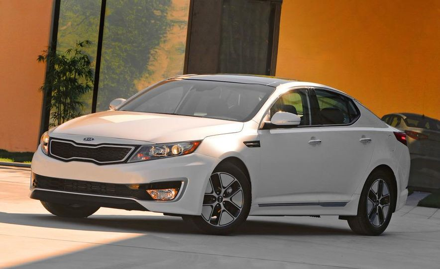 2011 Kia Optima hybrid - Slide 6
