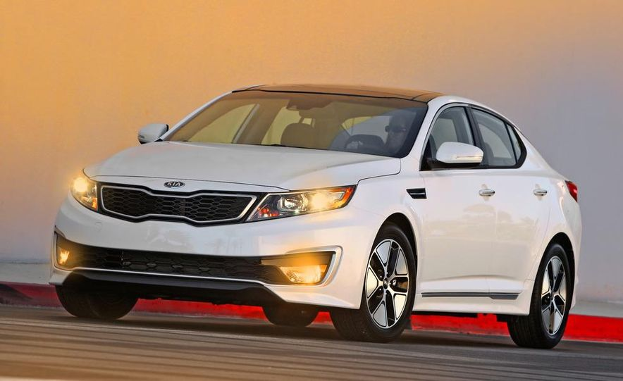 2011 Kia Optima hybrid - Slide 9