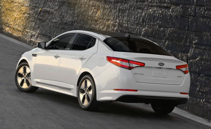 2011 Kia Optima hybrid - Slide 10