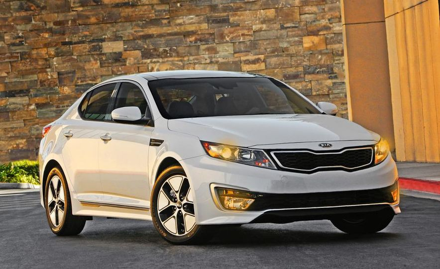 2011 Kia Optima hybrid - Slide 12