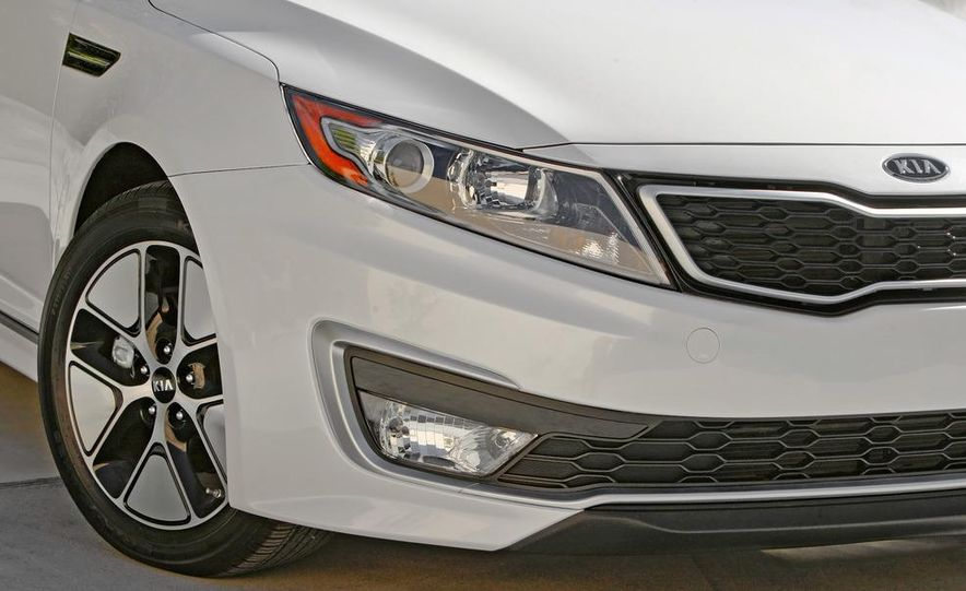 2011 Kia Optima hybrid - Slide 17